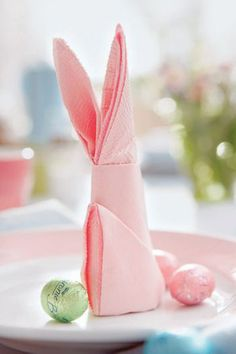 Spring decorations for Easter table including this cute bunny napkin tutorial!