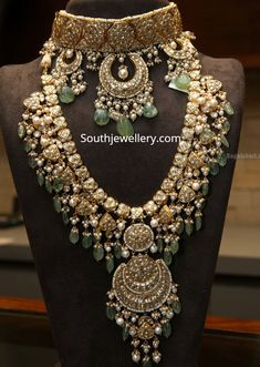 Polki Haar by Tyaani Jewellers Indian Bridal Jewelry Sets, Indian Jewelry Earrings, Fancy Jewellery, Jewelry Design Earrings, Bridal Jewellery, Jewellery Designs, Jewelery, Indian Necklace, Choker Necklaces