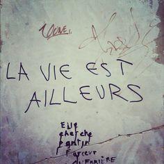 'la vie est ailleurs' Paris. 11ème. Avenue de la République. 11 juillet 2012. - @sylviafredriksson- #webstagram