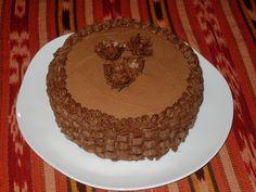 cesta de rosas en chocolate. De Mystica, pastelería artesana.