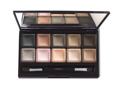 Eye Designer Palette ByTerry http://www.vogue.fr/beaute/shopping/diaporama/les-20-palettes-de-maquillage-du-printemps-fards-a-paupieres/20143