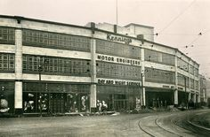 near Midland railway station Sheffield I worked here 1957 age 15 as a apprentice auditor shillings a 40 hour week Ann Wardley ex pat Old Pictures, Old Photos, Sources Of Iron, Industrial Development, Sheffield England, South Yorkshire, Back Doors, Derbyshire, Pent House