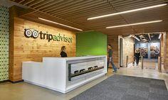 02_TripAdvisor_Reception2Design: Baker Design Group Furniture: OfficeWorks Contractor: John Moriarty Associates Photography: Robert Benson, Michael Young