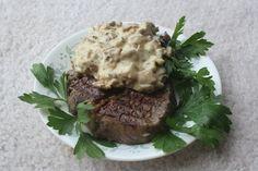 Стейк с соусом из сушеных грибов и горгонзолы Рецепт от Джады Дилаурентис с фуднетворка