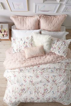 Guide To Discount Bedroom Furniture. Bedroom furnishings encompasses providing products such as chest of drawers, daybeds, fashion jewelry chests, headboards, highboys and night stands. Home Bedroom, Girls Bedroom, Bedroom Decor, Bedrooms, Bedroom Ideas, Lauren Conrad Bedding, Discount Bedroom Furniture, Shabby Chic, Pink Room