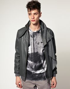 'ASOS BLACK' leather jacket. Edgy but relaxed! Pair with a low white v-neck, black carrot jeans and Converse All Star High.