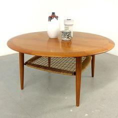 Bald auf www.19west.de: ein Teak Coffee Table von Johannes Andersen. #19west #design #danishdesign #danish #teak #furniture #furnituredesign #tables #interior #interiordesign #modern #midcenturymodern #sixties #vintage #retro