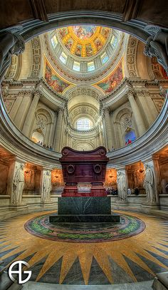 Napoleons tomb by A.G. Photographe, via Flickr --- Les Invalides