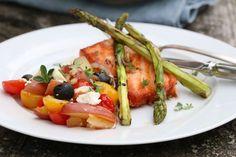 Lun potetsalat og grillet laks Frisk, Vinaigrette, Sour Cream, Chicken, Meat, Food, Essen, Meals, Yemek