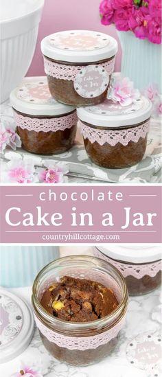 Mason Jar Cakes, Mason Jar Desserts, Just Desserts, Delicious Desserts, Cake In A Jar, Dessert In A Jar, Dessert Ideas, Chocolate Cakes, White Chocolate