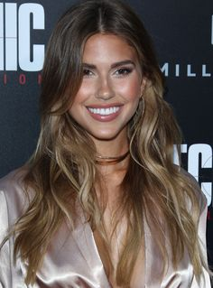 Kara Del Toro - 'Mechanic: Resurrection' Premiere at ArcLight Hollywood, in LA Kara Del Toro Style, Outfits and Clothes. Hair Color Balayage, Hair Highlights, Straight Hairstyles, Cool Hairstyles, Brown Blonde Hair, Brown Hair Colors, Gorgeous Hair, Hair Inspiration, Sexy