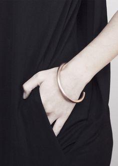 Eleanor Amoroso / Copper Arc Bracelet #eleanoramorosojewellery