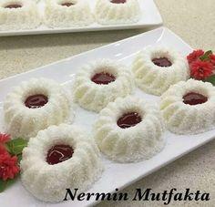 Fotoğraf Sweet Cookies, Iftar, Food Presentation, Doughnut, Raspberry, Cheesecake, Deserts, Food And Drink, Sweets