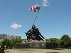 I wanted to find and a Veterans' Day photo and this grand one taken of the Iwo Jima Memorial in Arlington is the perfect camera shot.