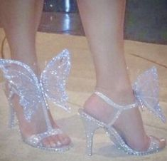 From a pimp to a butterfly Stilettos, Heels, Butterfly Shoes, Lace Bride, Dress Wedding, Butterflies, Bridesmaids, Weddingideas, Luxury Wedding