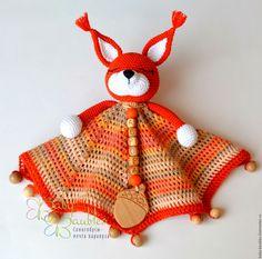 "Купить ""Бельчонок"" комфортер-сплюшка - рыжий, оранжевый, комфортер, комфортер куски, сплюшка, игрушка сплюшка Crochet Security Blanket, Crochet Lovey, Newborn Crochet, Crochet Bunny, Baby Blanket Crochet, Crochet Dolls, Crochet Square Patterns, Crochet Toys Patterns, Amigurumi Patterns"