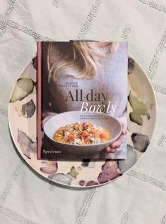 De allerlekkerste gerechten in een kom, licht, makkelijk en ontspannen. De nieuwe manier van eten. #bowl #boek #alldaybowl #keuken