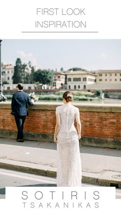 You only need your loved ones and a sublime escape in Tuscany to . Fine Art Wedding Photography, Couple Photography, Photography Ideas, Photography Portraits, Luxury Wedding, Destination Wedding, Wedding Poses, Wedding Film, Bride And Groom Pictures