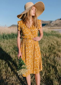 Classy Outfits For Women, Clothes For Women, Casual Outfits, Modest Summer Outfits, Summer Dresses, Yellow Floral Dress, Yellow Skirts, Women's Fashion Dresses, Fashion 2018
