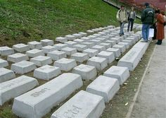 huge-qwerty-keyboard-stones