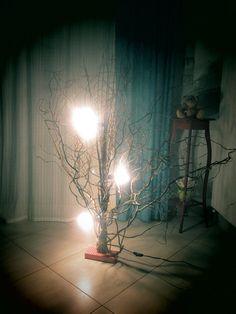 """Lampe en bois naturel """"Tortueuse"""" - Grand modèle : Luminaires par powerkikine"""