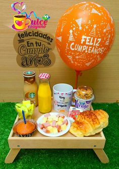 Breakfast Basket, Happy Birthday Daddy, Valentines Gift Box, Birthday Breakfast, Diy Gift Box, Ideas Para Fiestas, Projects For Kids, Gift Baskets, Special Gifts