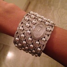 Piaget Limelight cuff #watch in white #gold and #diamonds