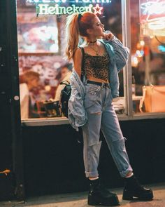 Here is a complete guide on how to create the most stylish grunge outfits. This vintage trend will be everywhere in Indie Outfits, Cute Grunge Outfits, Cute Outfits, Fashion Outfits, Grunge Party Outfit, Grunge Fashion Soft, Punk Fashion, Vintage Fashion, Hippie Chic