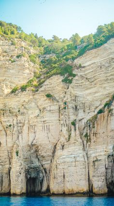 Paxos Cliff by Max van Boxel on 500px
