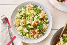 One-Pan Chicken Fried Rice Recipe Chicken Penne Recipes, Chinese Chicken Recipes, Low Carb Chicken Recipes, Rice Recipes, Cooking Recipes, Healthy Recipes, Pastry Recipes, Delicious Recipes