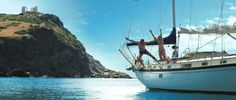 Crystal clear waters next to ancient temples. Only in #Greece .. #YachtcharterGriechenland #YachtcharterSaronicGulf
