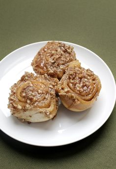 Caramel Nut Sticky Rolls - This recipe is one of Sue Dawson's favorite Cook's Corner recipes. She served as Dispatch food editor from 1979 to 2000.