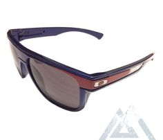 Awesome  retro sunglasses! Oakley Breadbox Troy Lee – Electric Blue Red  Warm Grey  2739064e30