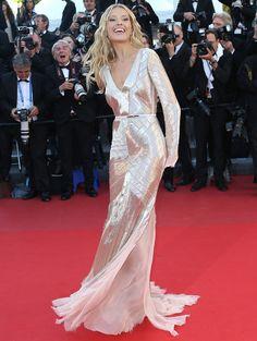 Cannes Petra Nemcova con un Emilio Pucci de chiffon rosa muy original Emilio Pucci, Cannes, Petra Nemcova, Red Carpet Gowns, Glamour, Fasion, Chiffon, Formal Dresses, Pink