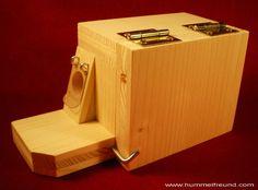 hummelpensionsvorbau-mit-hummelklappe-passend-zu-bauanleitung-1-hummelkasten-hummelpension/