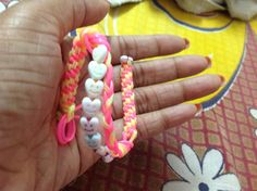 Simple easy and crazy scoubidou love band...with cute hearts