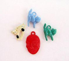 Vintage Cat, Devil Charm set of 3/ Vintage Plastic Cracker Jack Charm, Gum ball Prize