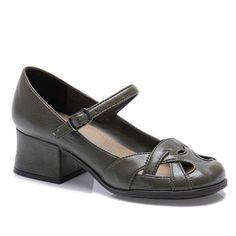 chunky heel $75