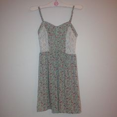floral crochet dress Super cute! Only worn once for Easter so it's practically brand new. The chest are is a little wired but flattering. NOT F21 Forever 21 Dresses