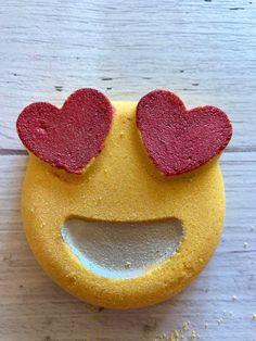 Valentine bath bombs. #valentinesdaycrafts handmadebathbombs #veganfriendlybathbomb #mensbathbombs #giftideas #giftsforboyfriend #giftideasforkids #giftideasforgirlfriend #love #omamce Valentines Gift Box, Shower Steamers, Everlasting Love, Mini Heart, Pink Grapefruit, Cupid, Bath Bombs, Candy, Stickers