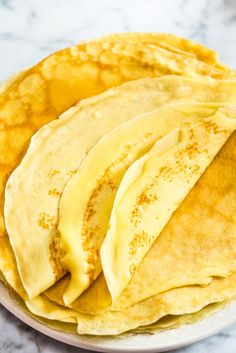 This is a simple, foolproof, and tasty Sweet Crepes recipe Sweet Crepes Recipe, Easy Desserts, Dessert Recipes, Nutella Crepes, Crepe Recipes, Tasty, Yummy Food, Sweet Recipes, Crockpot