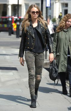 Cara Delevingne Steps Out In London                              …