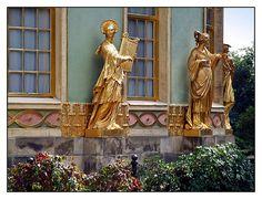 08.09.02.14.32 Potsdam, Park Sanssouci, Chinesischer Pavillon, Johann Gottfried Büring Chinoiserie, Orient, Beautiful Architecture, Park, Interior Inspiration, Germany, Columns, Austria, Statues
