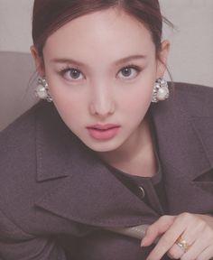 Kpop Girl Groups, Kpop Girls, Korean Girl Groups, Pop Hair, Twice Fanart, Twice Group, Nayeon Twice, Tzuyu Twice, K Pop Music