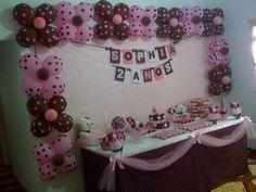 festa simples e barata rosa e marrom