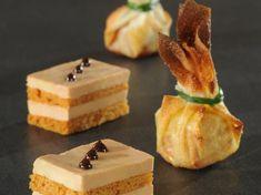 "Foie gras de Noël by "" Yoel Food to Dream "" Xmas Food, Christmas Cooking, Gourmet Recipes, Appetizer Recipes, Fingers Food, Healthy Christmas Recipes, Vol Au Vent, Appetisers, Party Finger Foods"