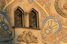 Art nouveau, Szeged, Hungary Mosaic Art, Mosaic Tiles, Mosaics, Art Nouveau, Art Deco, Forgotten Realms, Roof Colors, Gaudi, Architecture Details