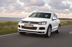 2014 Volkswagen Touareg V-6 Models Get Sporty R-Line Trim