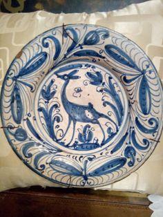 Siglo XVI Medieval, Tile Panels, Antique Pottery, Portuguese Tiles, Bloomsbury, Types Of Art, Earthenware, Ceramic Art, Zentangle