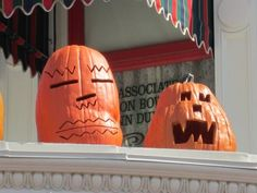 The Magic Kingdom Gets Decked Out For Fall – Photo Tour